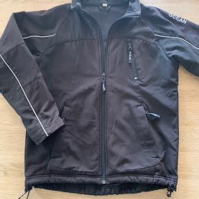 BYD !!!!  Super fin softshell jakke fra OCEAN str 10  Betaling Mobilepay eller TS