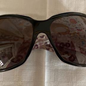 Super fine vintage Gucci briller. Har fået dem i gave for ca. 20 år siden og stort set ikke brugt dem. Ingen ridser på glas