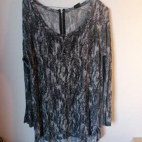 Kort kjole/lang bluse i str small
