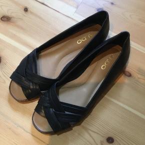 648df374d01 Sælger disse lækre sko fra Aldo, fordi de er for store for mig. Har