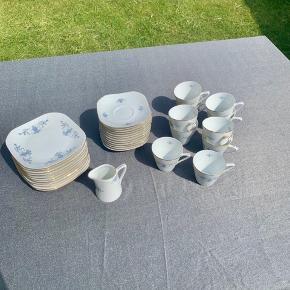 Porcelæn Wawel  Kaffestel til 10 personer. Pænt og fejlfrit  Sælges kun samlet
