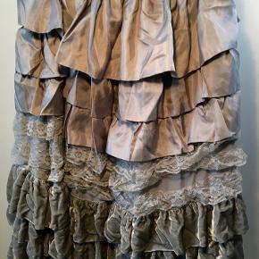 Manoush nederdel