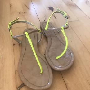 Karen Millen sandaler