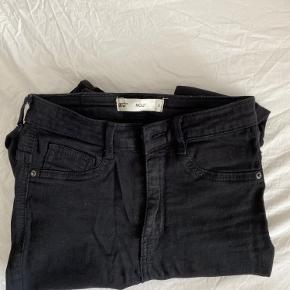 Molly skinny jeans fra Gina Tricot