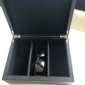 Super flot brille boks, kan også bruges til smykker.