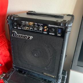 Ibanez soubdwave 20 Amp, sælges...     Er ikke brugt ret meget, og virker perfekt.. .    SE OGSÅ ALLE MINE ANDRE ANNONCER.. :D
