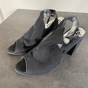 Redfoot heels
