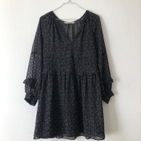 Smukkeste kjole fra Zara 🌷