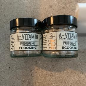Ecooking A-vitamin Kapsler 60 stk. NY uåbnet  2 stk. Pris pr. stk. 125,- u/forsendelse  Serumkapsler med A-vitamin styrker hudens elasticitet, sætter gang i cellefornyelsen og forebygger tidlige aldersforandringer i huden.  A-vitamin hjælper også huden med at bekæmpe bumser og arbejder intenst på pigmentering og giver en ensartet hudtone.   Velegnet til alle hudtyper.