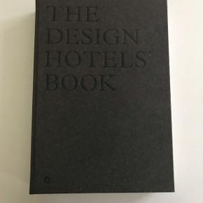 Peter lindbergh, nypris 600,- sælges for 350,-  The design hotel book (sort læder udgave), nypris 650,- sælges for 400,-  Sælges samlet eller hver for sig, afhentes 9520 Skørping, eller sendes med dao (plus Porto)
