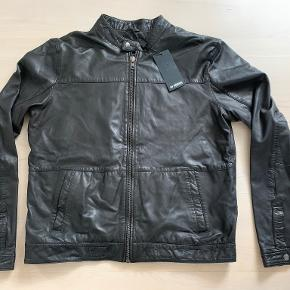 Minimum skind- & læderjakke