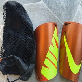 Nike beskinner - nypris 200 str L