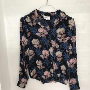 Ganni skjorte, passes af xs-small