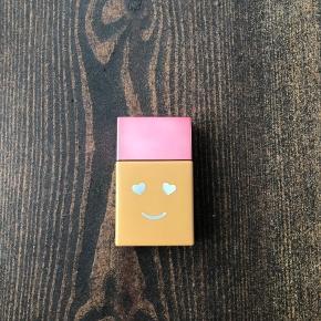 Benefit Hello Happy Foundation i farven 7