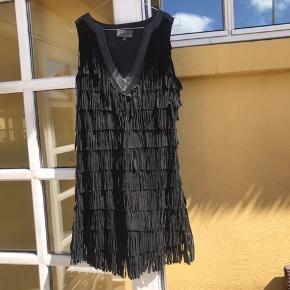 Staff kjole