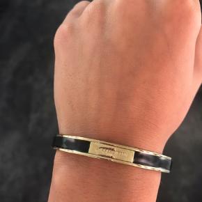 Sælger dette smukke armbånd fra dyrberg/kern som ikke bliver brugt. Sælges billigt!