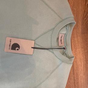 Sælger min sweatshirt fra Carharrt i en str s. Har aldrig brugt den, så den er ligesom ny. BYD!