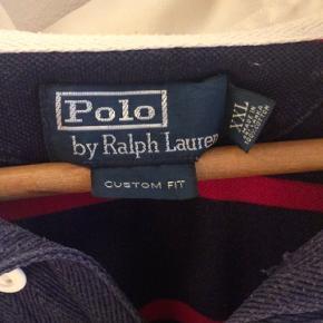 Sælger den her lækre polo, skriv hvis intra! Tjek min shop ud og få et tilbud nåd du handler her