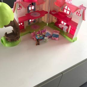 Play to learn dukkehus med tilbehør
