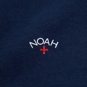 Noah tee Navy Nypris: 450,-