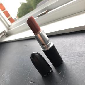 Mac læbestift Spirit  Nypris 165kr  Ved køb af flere gives mængderabat  Køber betaler fragt