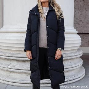 Neo Noir jakke i sort - brugt få gange. Fejler intet og sælges udelukkende pga forkert størrelse.  Nypris 1300 Vejledende mindstepris 600