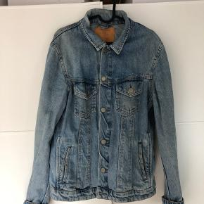 Denim jakke fra Jack & Jones. Str M 👕