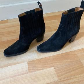 Mega flotte Ganni western læder boots. Brugt et par gange.