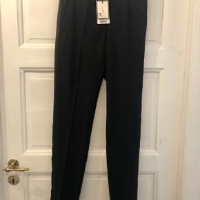Malene Birger suit bukser. Helt nye med prismærke, sidder super godt. Str. 34