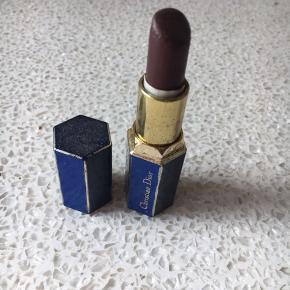 Læbestift sælges Der må byddes