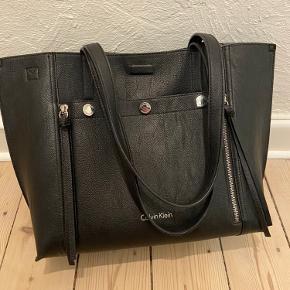 Rigtig flot taske med clutch