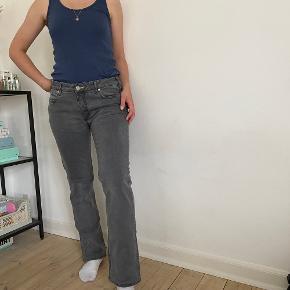 Super fine Acne jeans i en str. 31/32. Sælges da de desværre er for store.