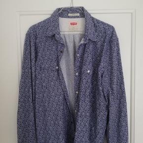 Fed vintageskjorte fra Levis i flot stand.