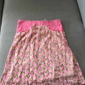 Cream nederdel