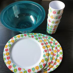 Tallerkner, kopper og en skål sælges samlet til 20kr. Skal hentes i 6740 Bramming.