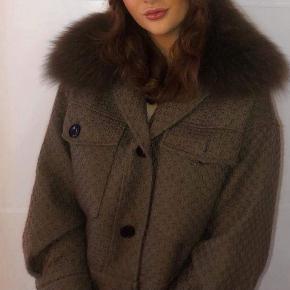 Fin Meotine jakke sælges, brugt sparsomt og passet godt på. Str. Xs/s