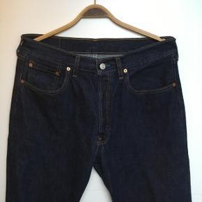 Et par 508 04 levis jeans, ingen tegn på slid kun vasket to gange. W34/L34