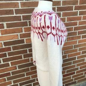 Den fineste cardigan fra Culture. Jeg har krydset af i farve hvid - men den er creme  70% uld 20 angora  10 nylon