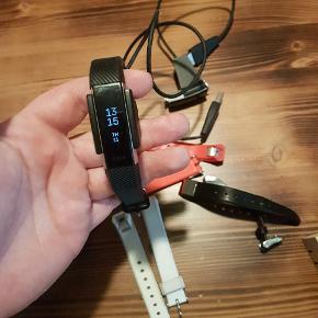 Fitbit Alta2 med 5 stk remme Inkl oplader  (Plus en Alta med oplader der virker sporadisk )