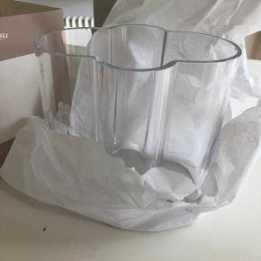 Så lækker vase fra Normann Tivoli- helt ny i æsken