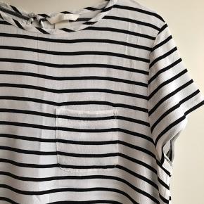 Tags: skjorte, bluse, stribet. Fejler absolut ingenting.