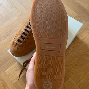 Helt nye sneakers i modellen Lily Laces fra By Malene Birger. De har aldrig været brugt eller gået med og fremstår derfor som nye.