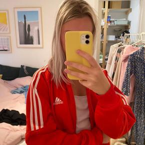 Fed oversized Adidas tracksuit jakke🤩