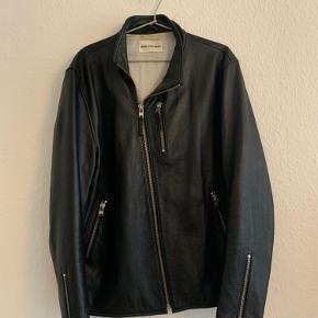 Læder jakke fra Won Hundred i god stand. Kun brugt få gange.