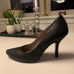 Miezko heels