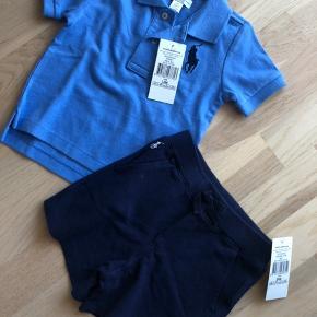 OBS  T-shirt er str 12 mdr Shorts er str 24 mdr  SÆLGES SAMLET   Fået i dåbsgave . Han kan passe det når det er vinter.  Fik ikke byttet det   Bytter ikke