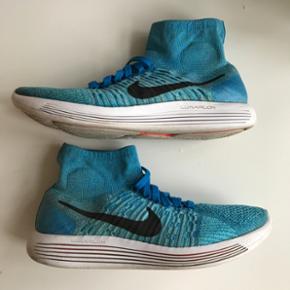 Jeg sælger et par Nike LunarEpic i str. 44