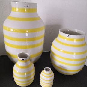 """Kähler vaser sælges. Den alm str har en """"revne"""" så den følger med i samlet salg. De to urtepotter er solgt."""
