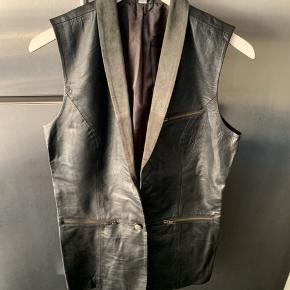 Very by Vero Moda vest