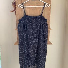 Strop kjole, brugt som strandkjole   Byd🌸